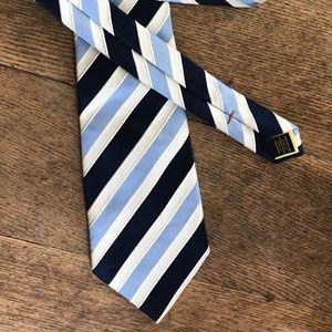 Donald Trump Signature Collection BLUE Stripe Tie